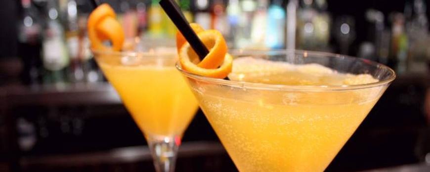 ¿Cómo hacer Agua de Valencia con naranjas?